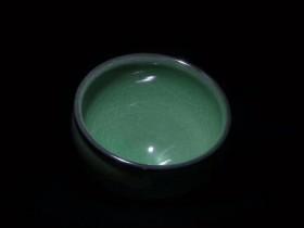 独自优雅翡翠绿--范永寿老师柴烧手作   铜扣铁足