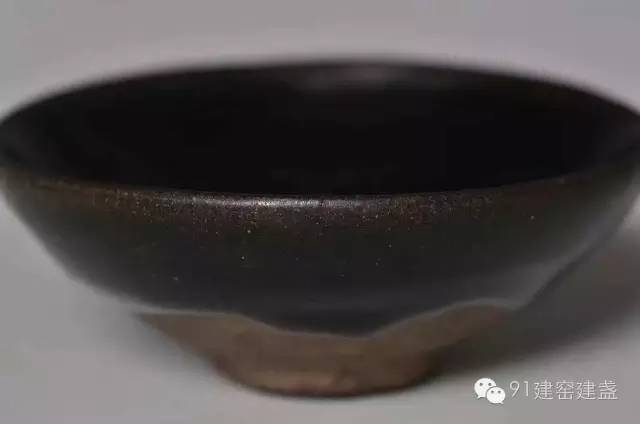 宋代建盏竟含硬磁材料epsilon-Fe2O3晶体