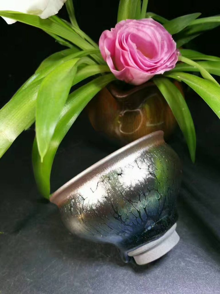 吴德兴孔雀开屏玉兰杯:7.8*5.8,自带经典釉泪。
