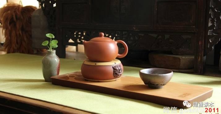 明朝洪武24年,建盏把茶文化重任传给了紫砂,逐渐被世人淡忘