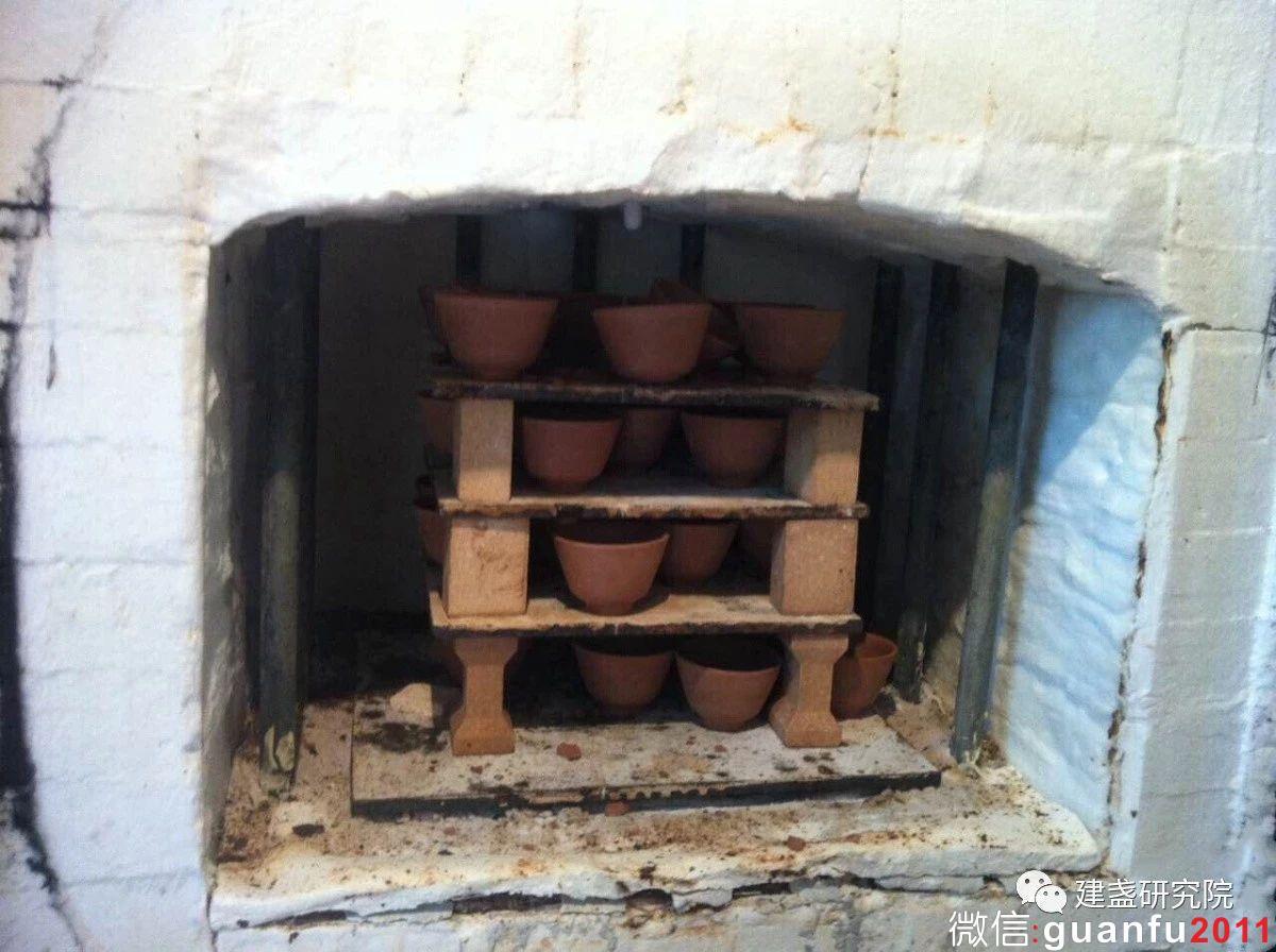 现代建盏电窑烧制工艺研发有何创新?
