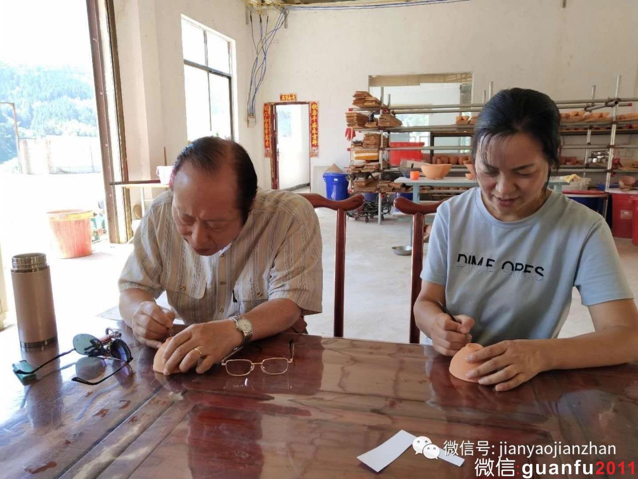 国内外顶尖建盏陶艺专家莅临菅氏陶瓷体验纯原矿秞石建盏烧制